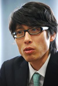 竹田恒泰 青.jpg